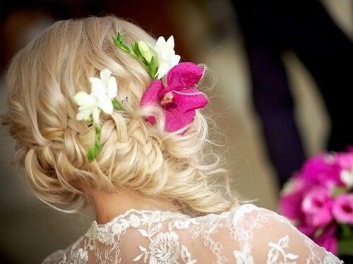 Романтичный образ с цветами