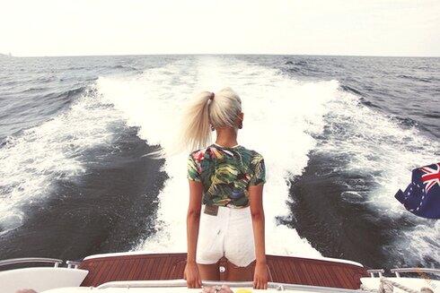 На борту роскошной яхты