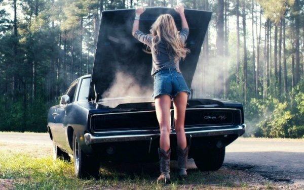 Ремонт авто – иногда и женское дело