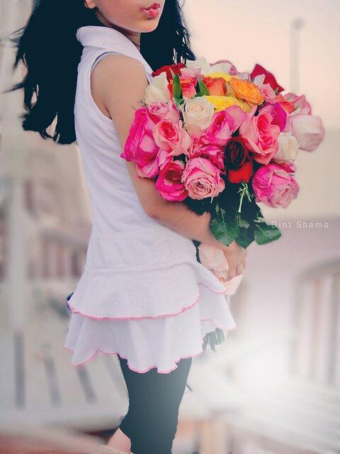 Каждая девушка заслуживает цветов