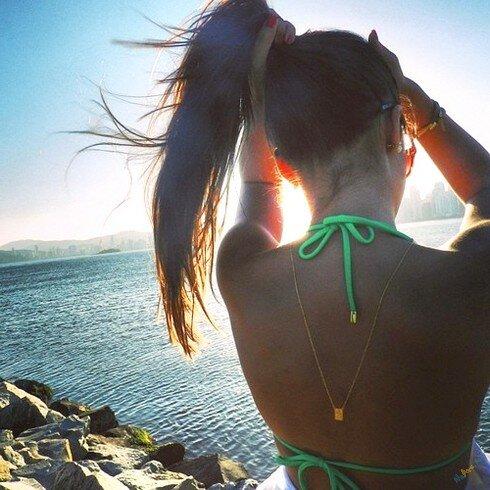 Море, пляж… От поклонников нет отбоя!
