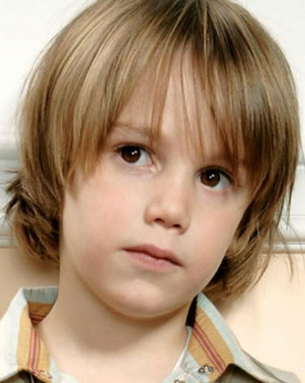Стрижка боб с длинной челкой для мальчика 7 лет