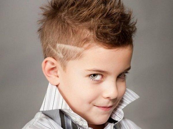 У вас растет юный стиляга? Ему подойдет модельная стрижка с ташировкой и рисунком