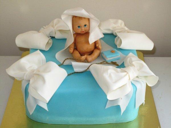 Торт «Ангелочек» с белоснежными лентами