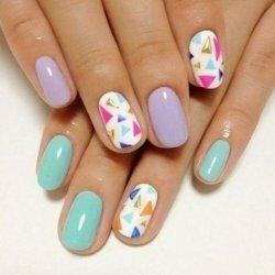 Фото красивого женского маникюра на короткие ногти