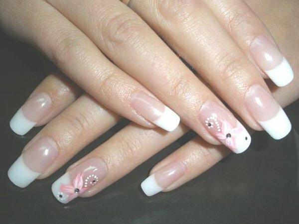 Бело-розовый френч + узор из стразов