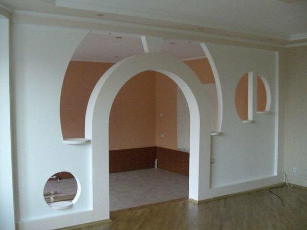 Сложная зонирующая перегородка для квартиры-студии