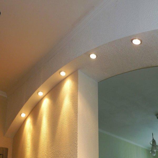 «Модерн» + точечные светильники