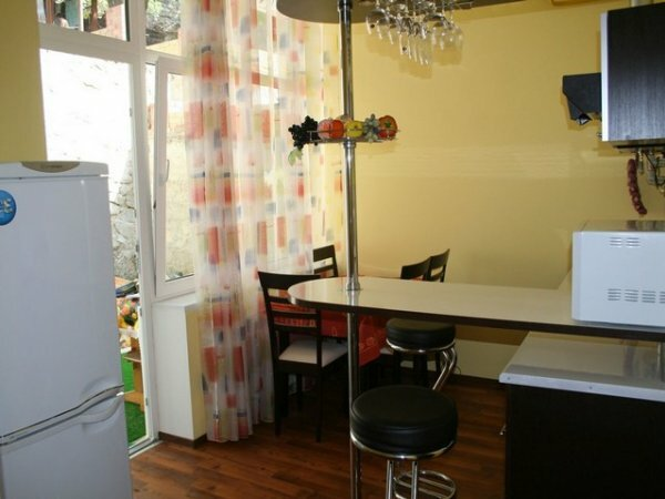 Барная стойка + обеденный стол