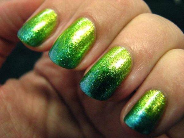Неоново-зелёная горизонталь