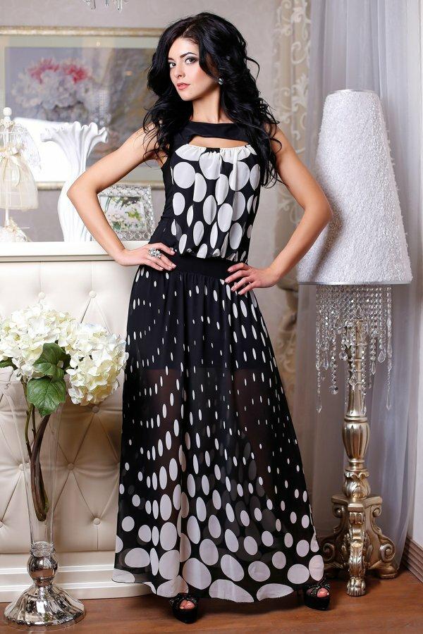 Эффектное платье «в пол» с необычными горохами