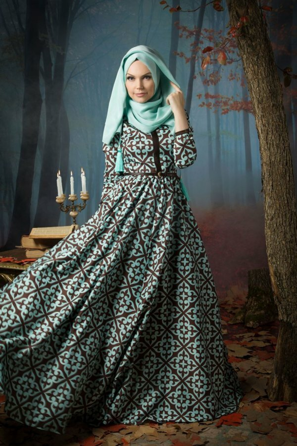 Стильное и загадочное вечернее платье