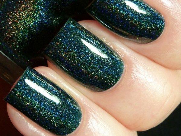 Глубокий зеленый с серебряными блестками