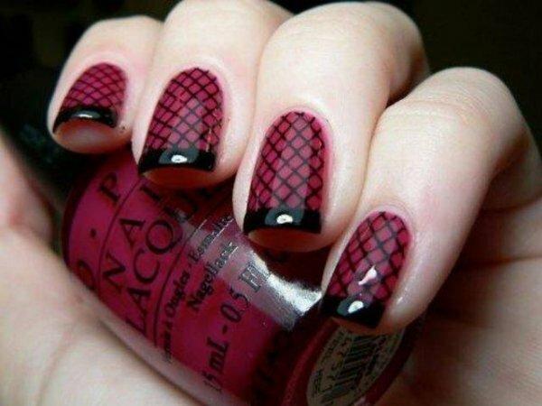 Лаконичная бордово-черная сетка
