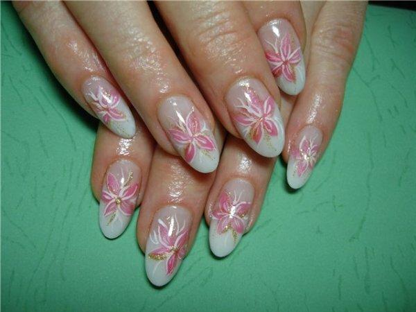 Мерцающий белый френч «Орхидеи»