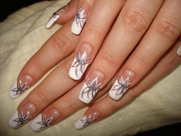 Белый френч «Серебряные цветы»