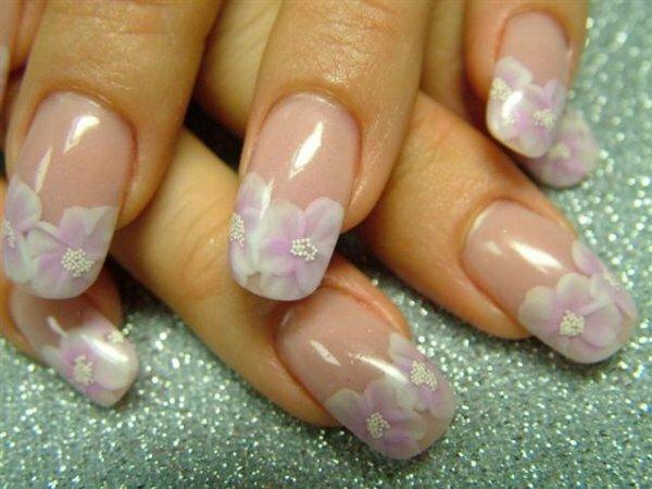 Нежный розовый френч «Лилии»