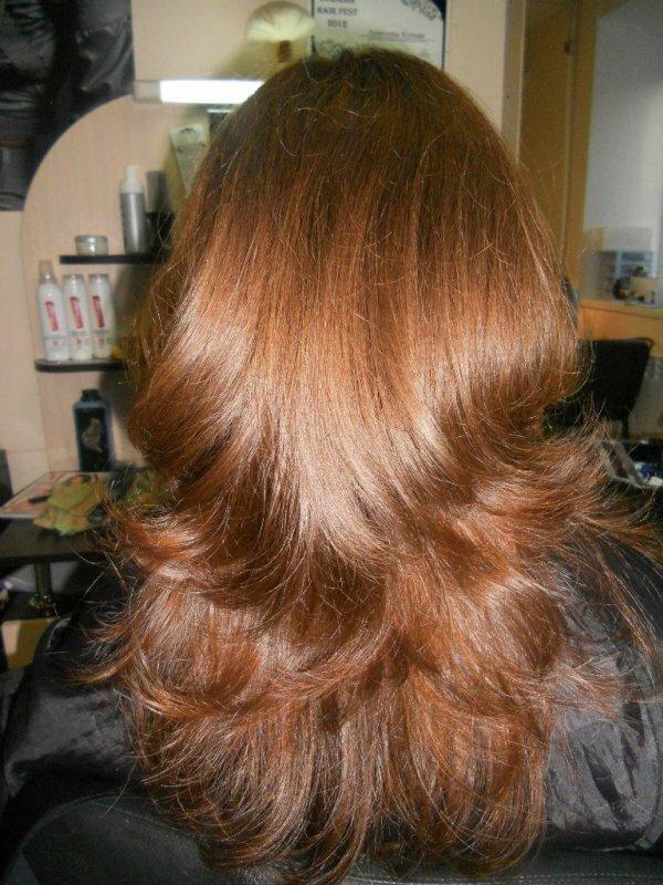 Каскад на волнистые волосы вид сзади