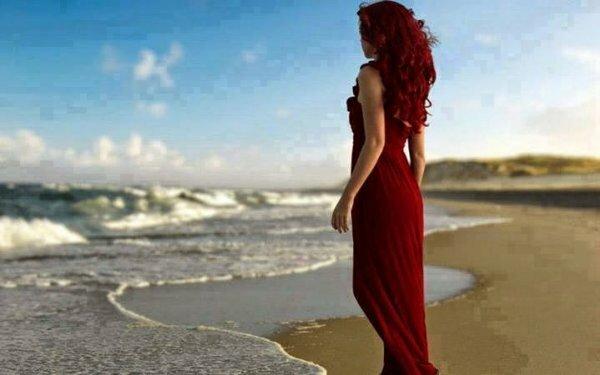 Рыжеволосое чудо в роскошном платье