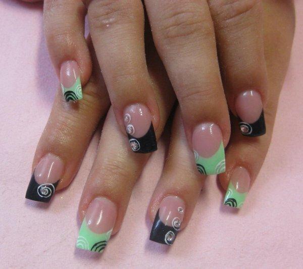 Зелено-черные «Спирали»