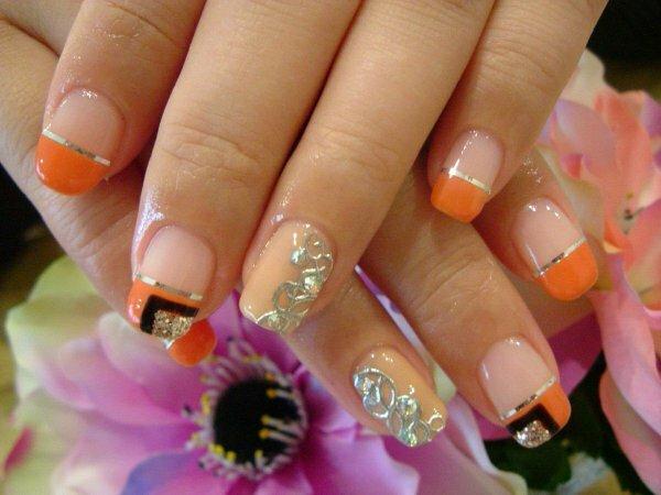 Оранжевая «Геометрия» и серебряное литье