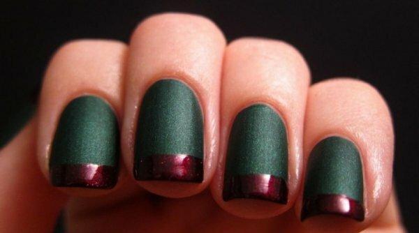 Матовый зеленый и блестящий красный