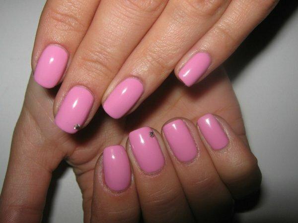 Розовый монохром и сверкающая капелька
