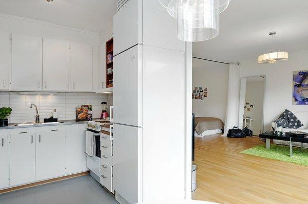 В маленьких квартирах лучше вбирать дизайн белого цвета или пастельных тонов, так ваше жилье будет светлее