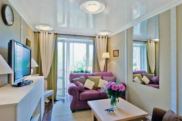 Для маленьких комнат лучше выбирать диваны в два или три сложения
