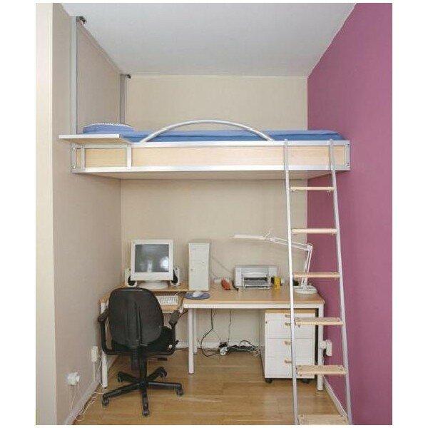 В нише можно сделать кровать на верхнем ярусе, а снизу рабочий стол