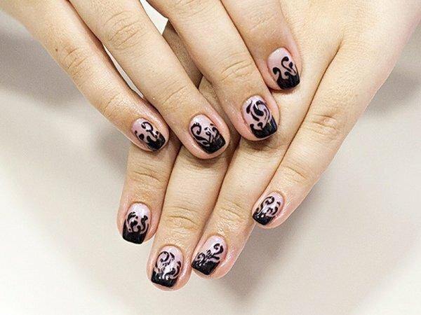 Когда обычный френч кажется вам скучным, обратите внимание на такой дизайн черного «пламени» на ногтях