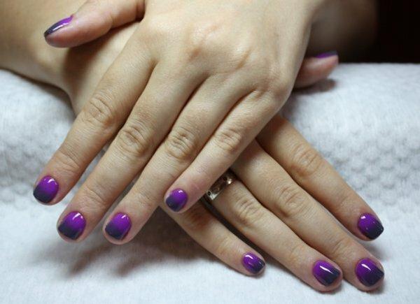 Хотя омбре и не рекомендуют для слишком коротких ногтей, иногда нарушение правил приводит к отменному результату