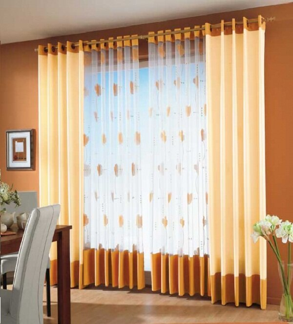 Если к низу тюли пришить такую же по цвету и фактуре ткань, как и у шторы – то выглядеть это будет значительно дороже