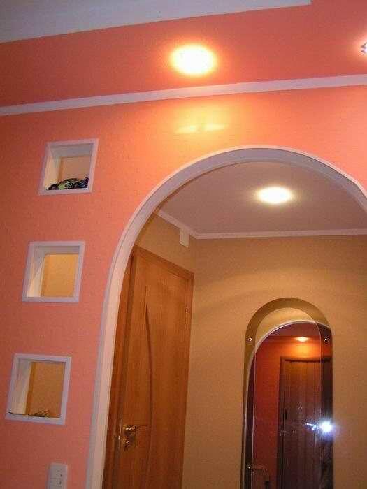 В арке могут быть сделаны симпатичные маленькие ниши