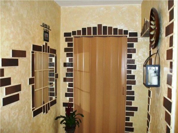 Декорировать коридор можно и самостоятельно, всего несколько маленьких штрихов, и комната становится интереснее