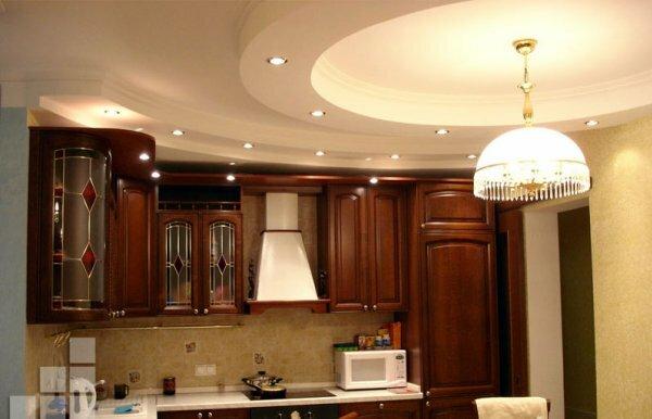 Соединив основное освещение с точечным, попеременно можно включать одно или другое в зависимости от ситуации