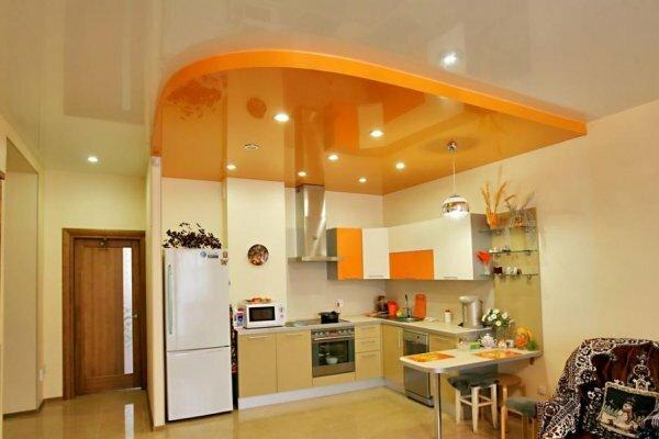 Уже давно в моду вошли яркие навесные потолки из гипсокартона